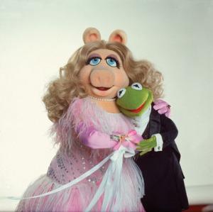 Η Μις Πίγκυ σε χαρακτηριστική φωτογραφία λίγη ώρα μετά την Επιστροφή της Δημοσιογραφίας στη ΝΕΤ